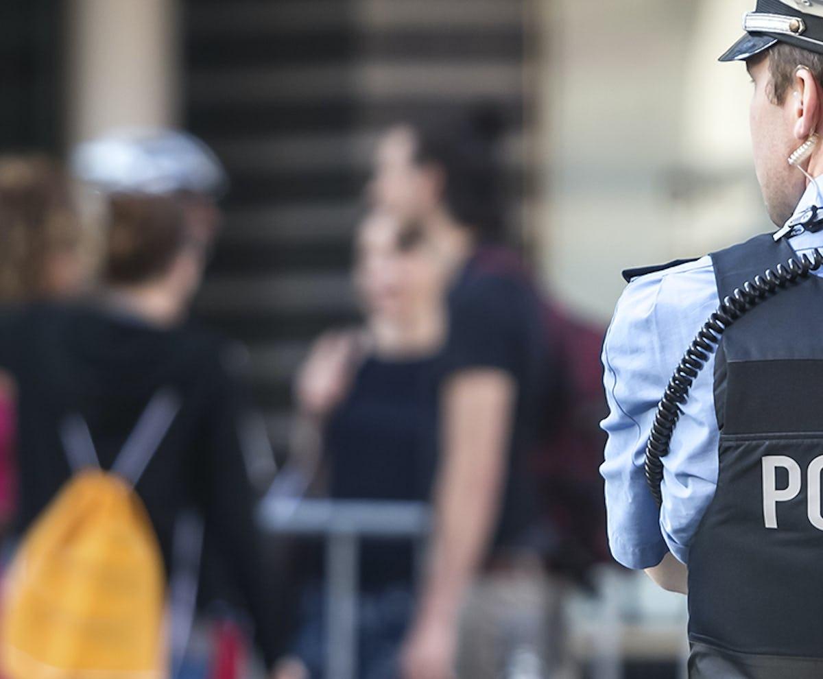 Polizist*in