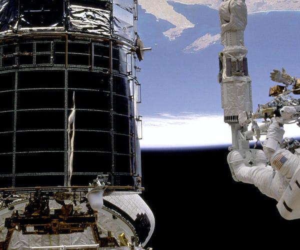 Astronaut*in