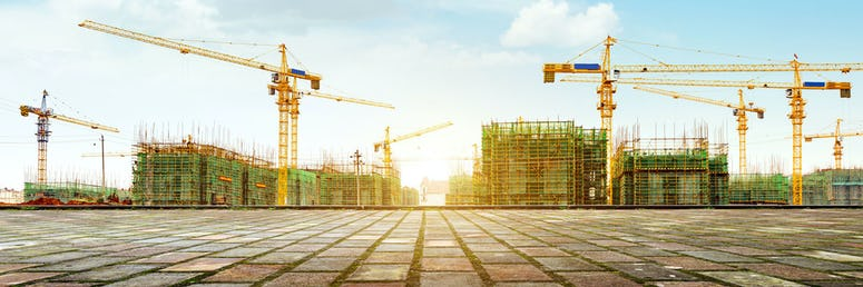Bauarbeiter*in