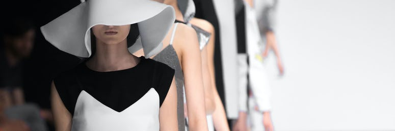 Modedesigner*in